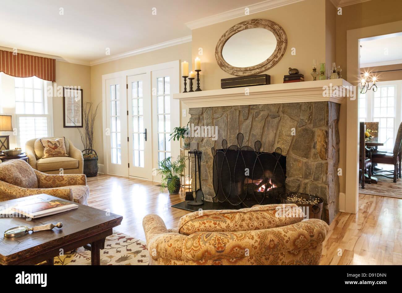 Luxus Showcase Wohn Wohn Esszimmer Mit Kamin Usa Stockfotografie Alamy