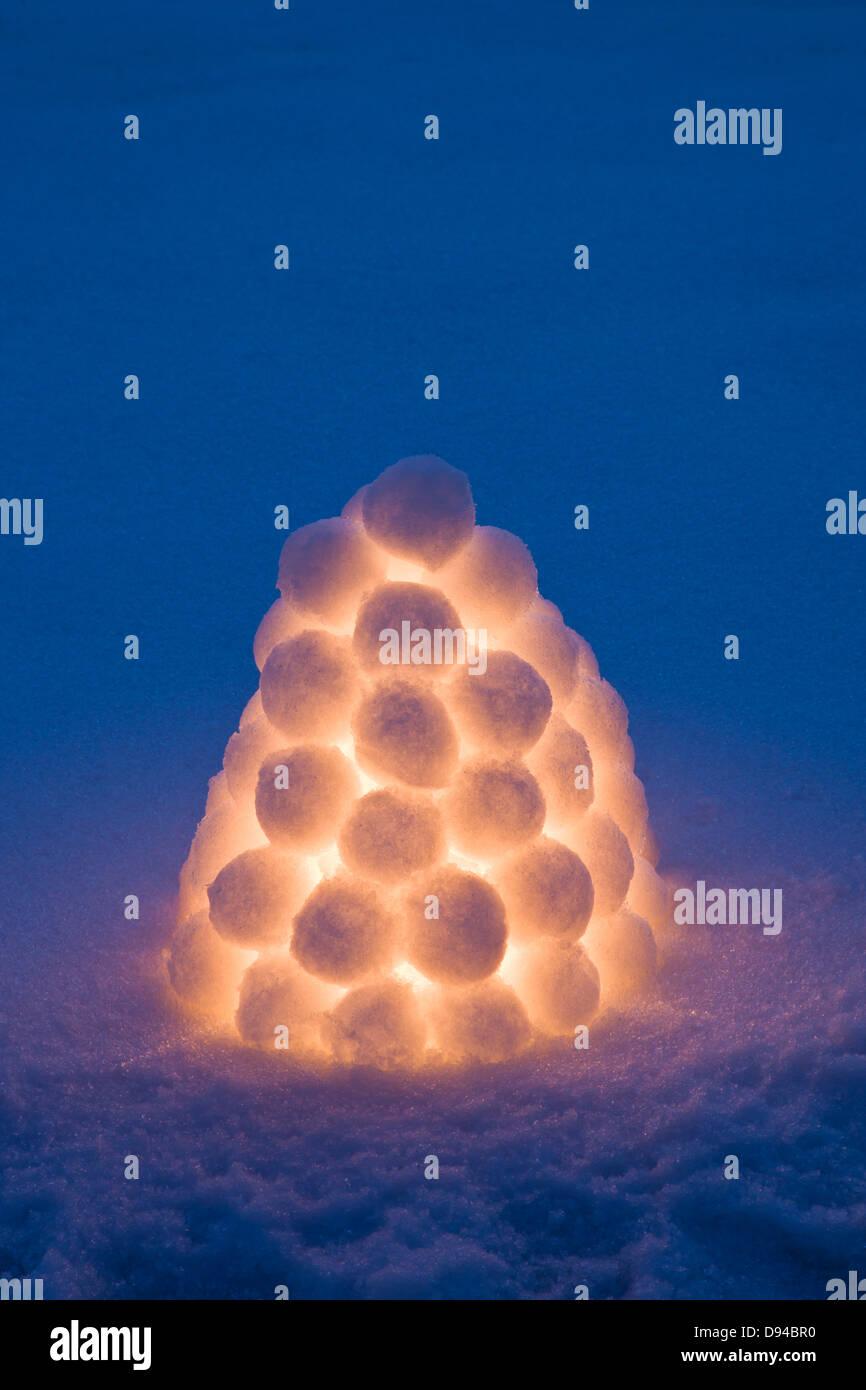 Beleuchtete Schneeball Laterne Stockfoto