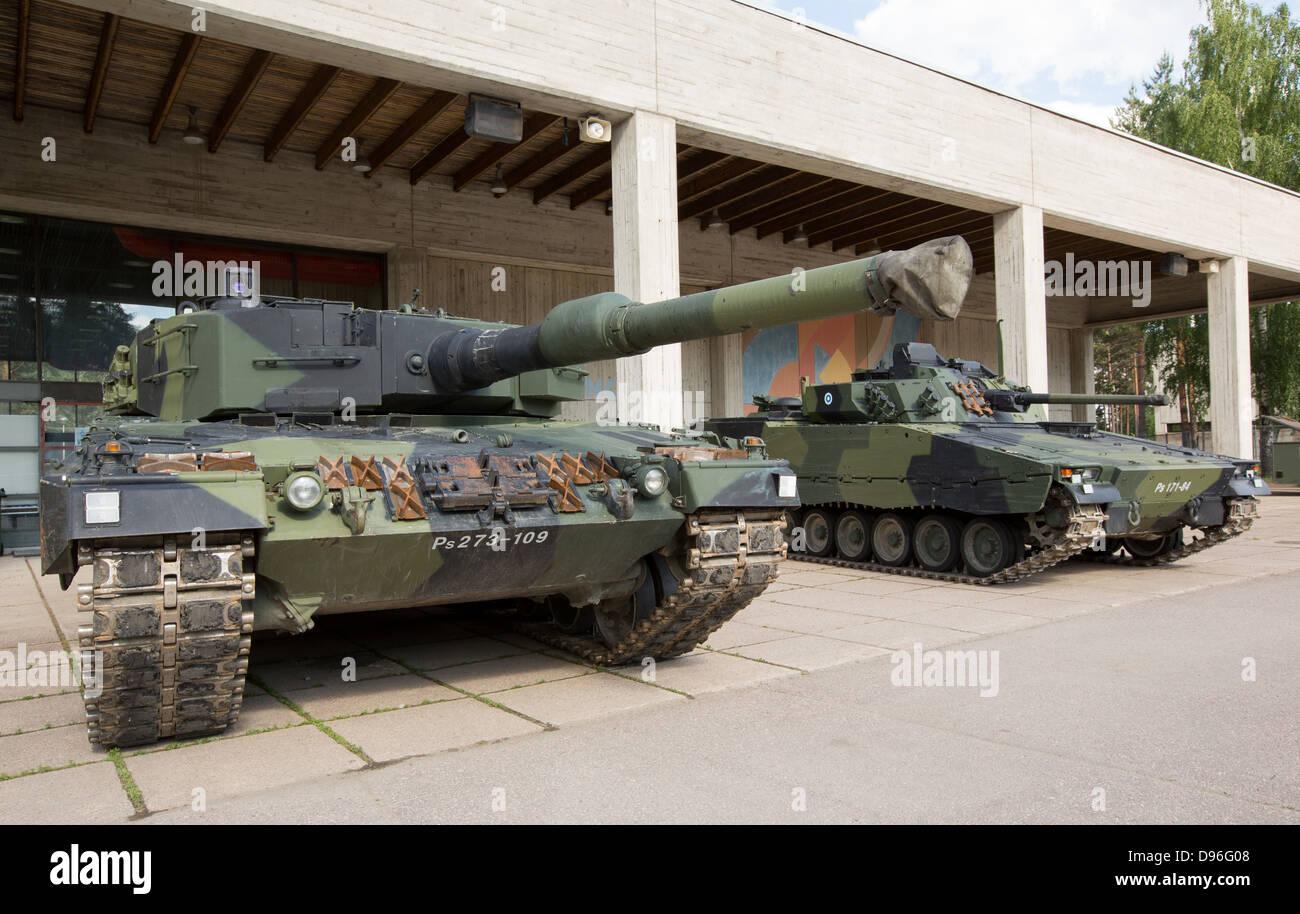 leopard 2 a4 kampfpanzer und sch tzenpanzer der cv9030 der. Black Bedroom Furniture Sets. Home Design Ideas