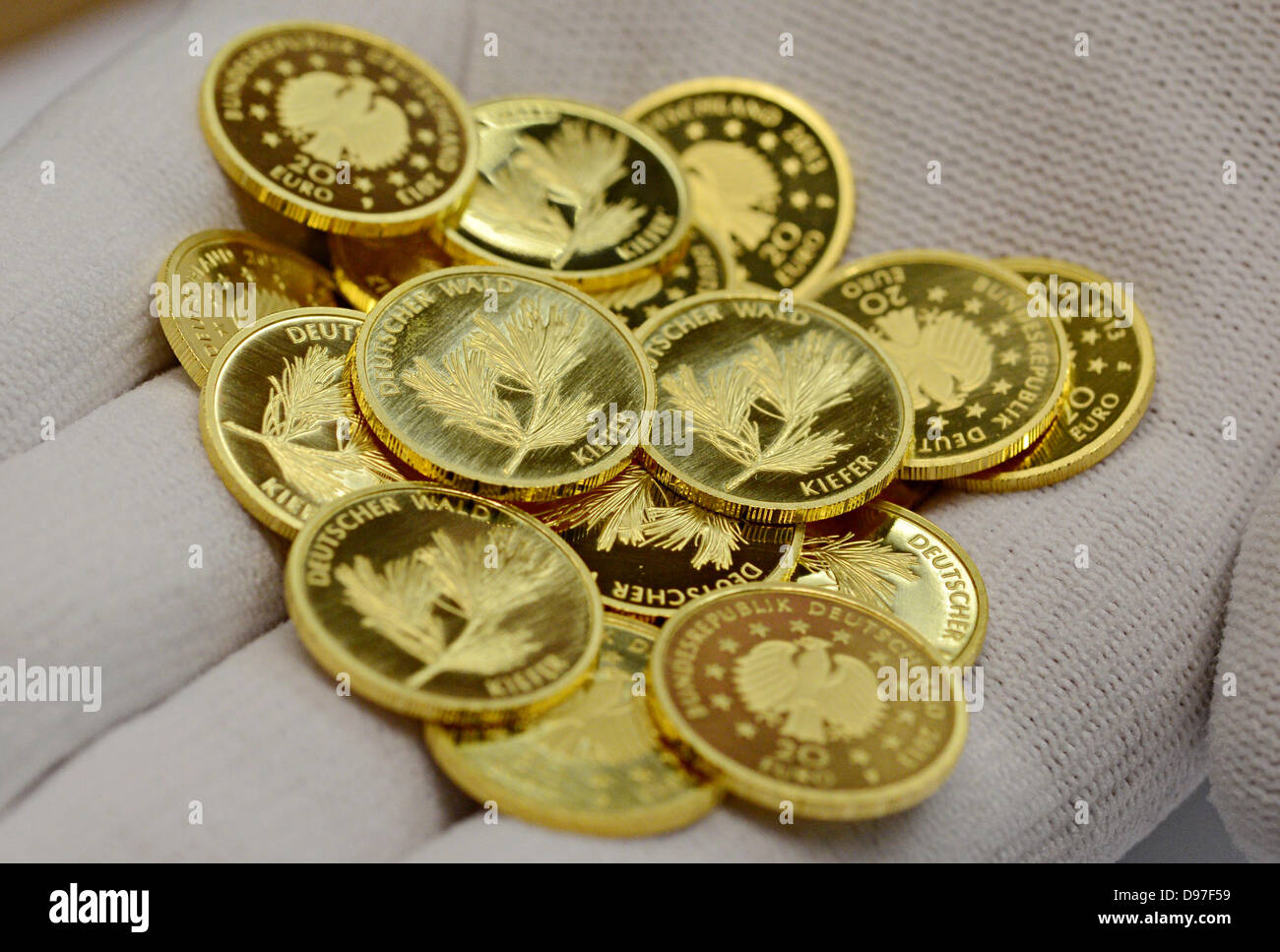 Newly Minted Coins Stockfotos Newly Minted Coins Bilder Alamy