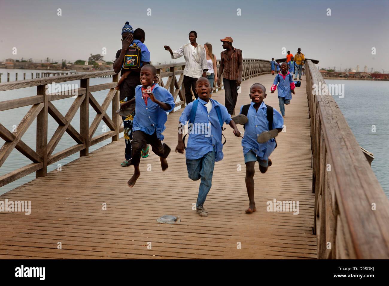 Senegal datiert