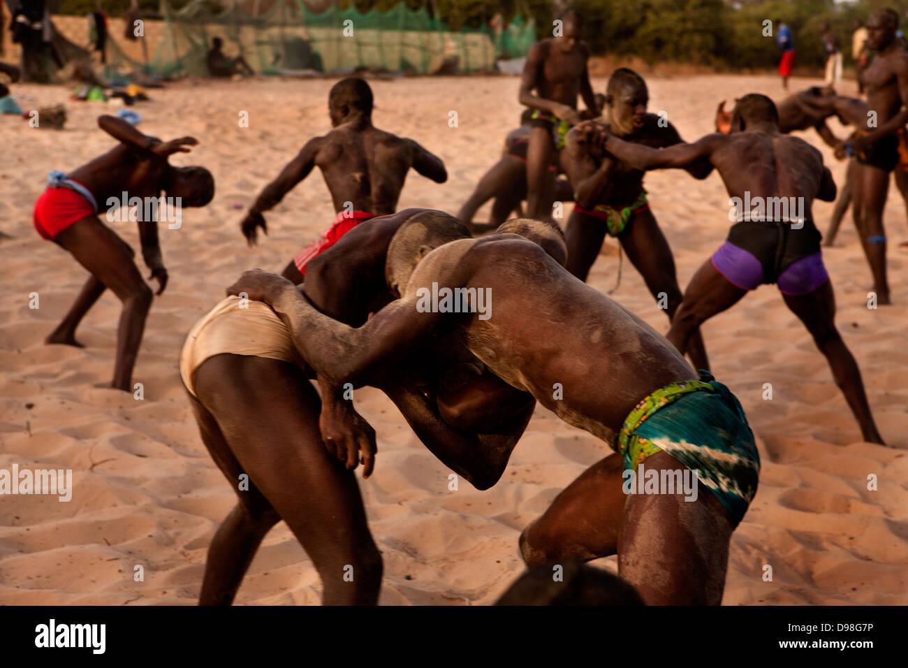 Senegalesische traditionellen Ringkampf, Dionewar Senegal Stockfoto