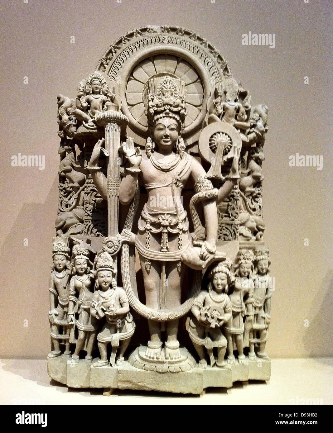 Stele von vier bewaffneten Vishnu. Indien, 10.-11. Jahrhundert n. Chr.. Sandstein Stockbild