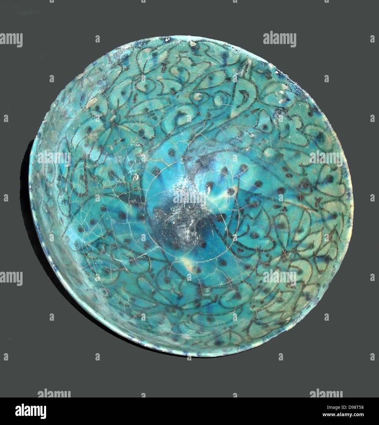 Dekorative Schale, Beispiel des 13. Jahrhunderts islamische Keramik aus dem Iran Stockbild