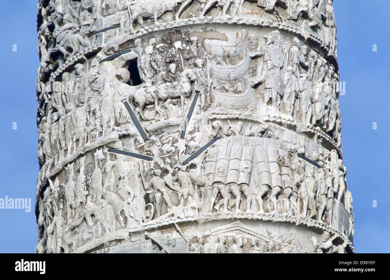 Trajanssäule, Rom, 113 abgeschlossen. Spalte feiert Kaiser Trajan Siege in den dakischen Kriegen mit Zwischenfällen Stockbild