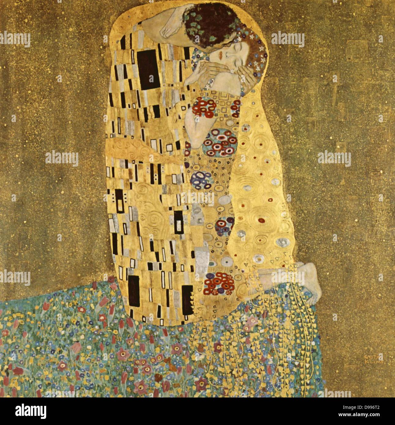 """Gustav Klimt, 1862 - 1918. """"Die Kis' von Gustav Klimt gemalt wurde, und ist wahrscheinlich das bekannteste Werk. Er begann seine Arbeit im Jahre 1907 und es ist der Höhepunkt seiner so genannten """"goldenen Periode"""". Es zeigt ein Paar in verschiedenen Schattierungen von Gold und Symbole, teilen einen Kuss gegen eine Bronze Hintergrund. Stockfoto"""