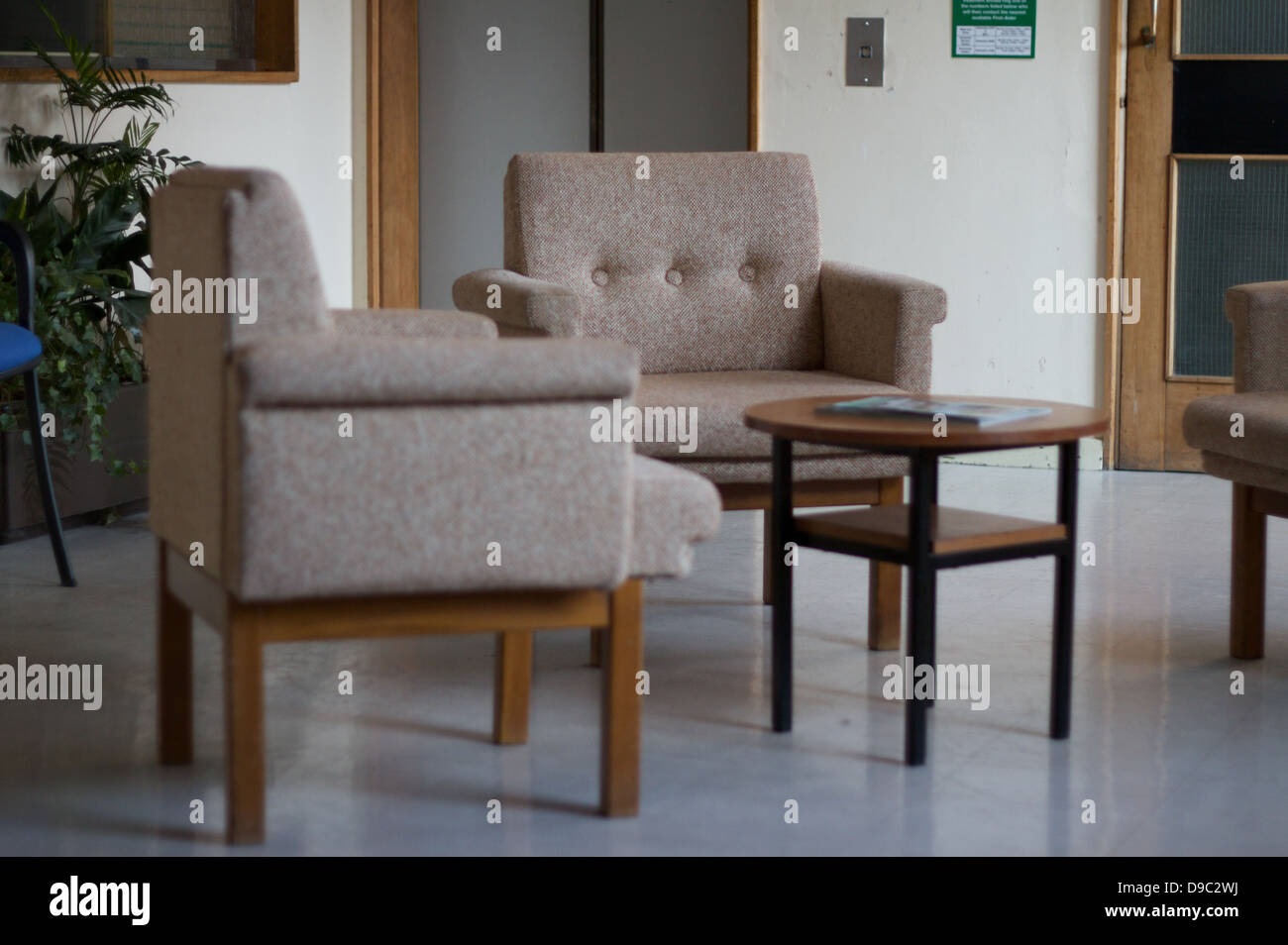 Retro Chairs Stockfotos & Retro Chairs Bilder - Alamy