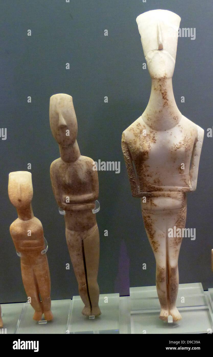 Schematische Kykladen, griechische Figuren mit trapezförmigen Körper ...