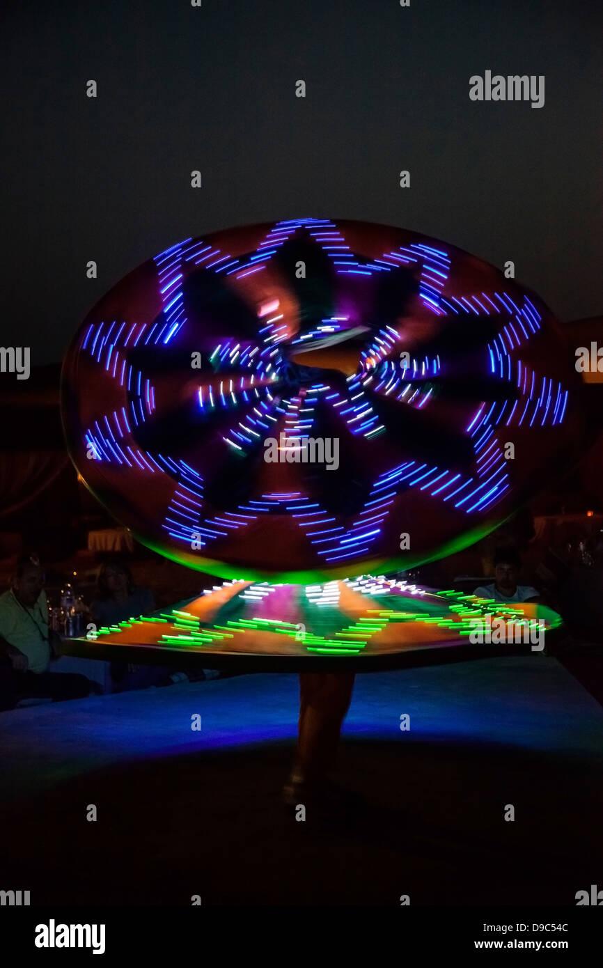 Lichter und Tänze in der Wüste Stockbild