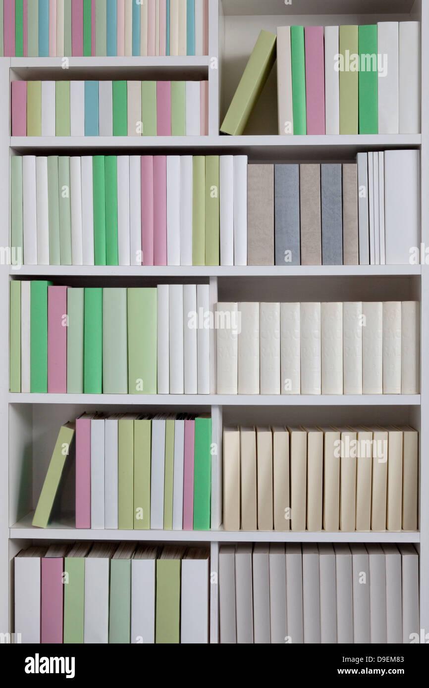 bookshelf stockfotos bookshelf bilder alamy. Black Bedroom Furniture Sets. Home Design Ideas