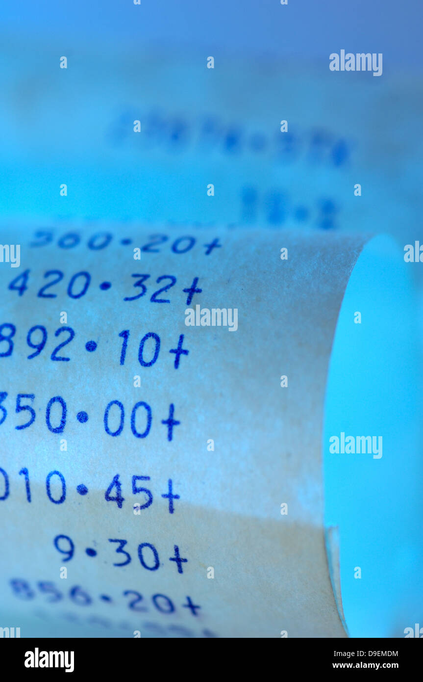 Zusatz-Zusatz, den audit-Streifen erarbeiten Dokument Bill blau blau Berechnung Rechenmaschine Rechner Cash gesamte Stockbild