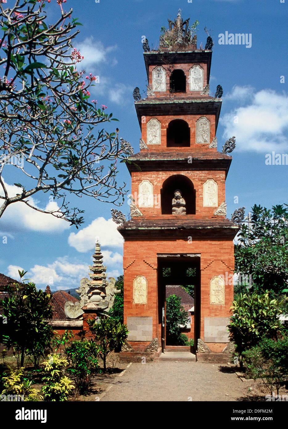 Im chinesischen Stil Tor, Karangasem Palace in Amlapura, Bali, Indonesien, Südostasien Stockbild
