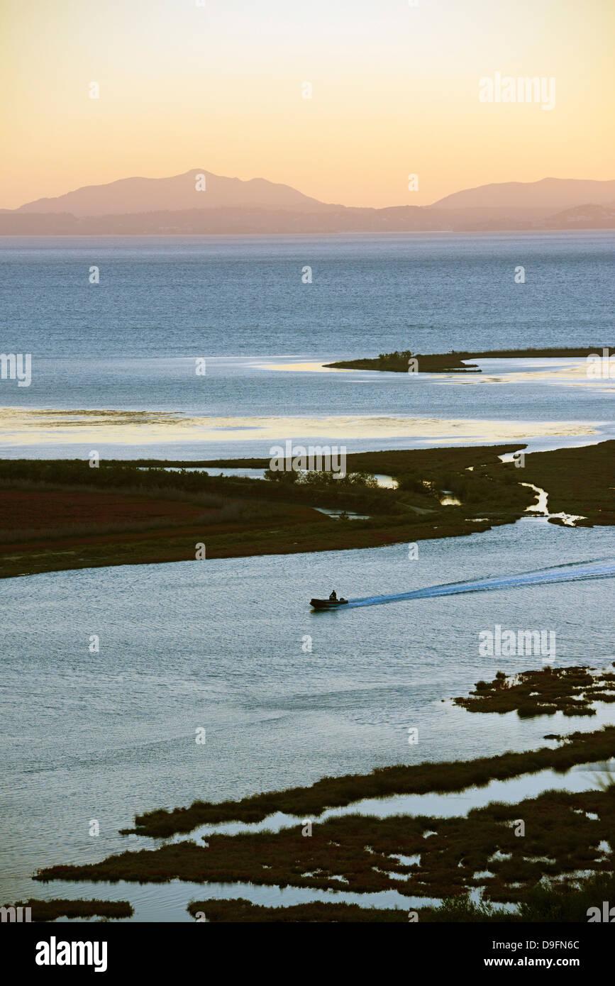 Butrint und die Insel Korfu im Abstand, Albanien, Mittelmeer Stockbild