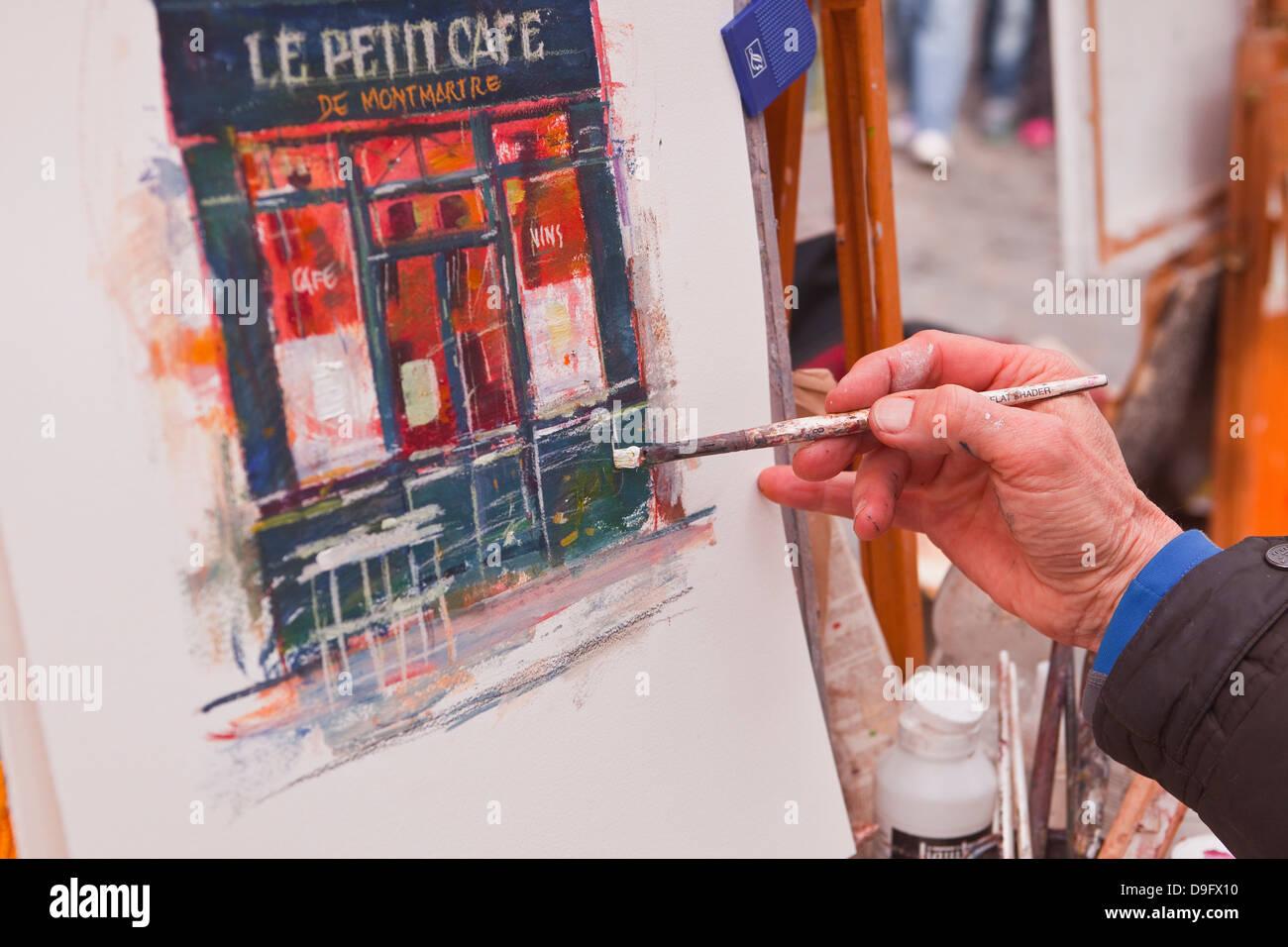 Eine Straße Künstler bei der Arbeit in die berühmten Place du Tertre in Montmartre, Paris, Frankreich Stockbild