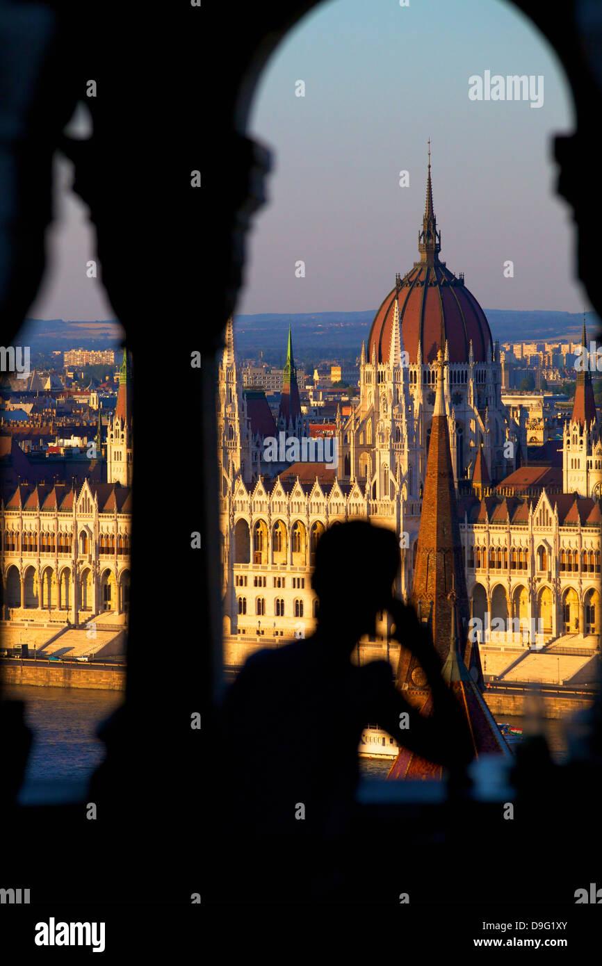 Restaurant im Fischerbastei mit Blick auf die Stadt Budapest, Ungarn Stockbild
