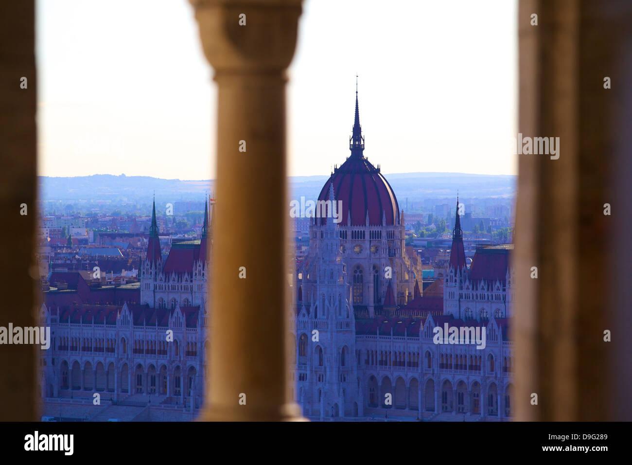 Ansicht der ungarischen Parlamentsgebäude von Fischerbastei, Budapest, Ungarn Stockbild