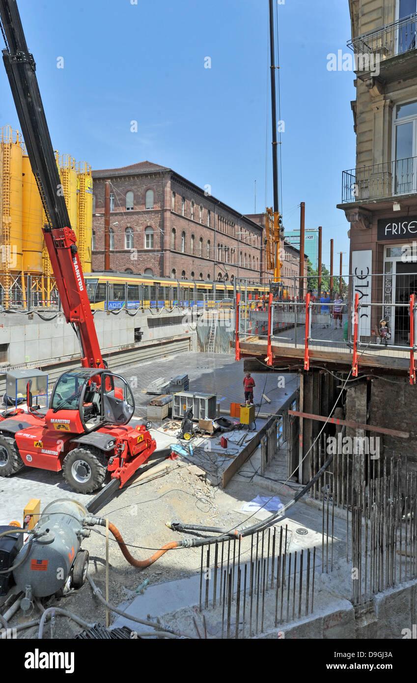 Baufirmen Karlsruhe karlsruhe tram stockfotos karlsruhe tram bilder alamy