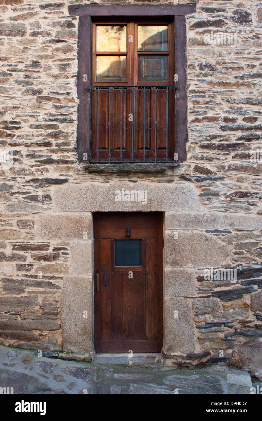 House Wood Windows Door Stockfotos & House Wood Windows Door Bilder ...