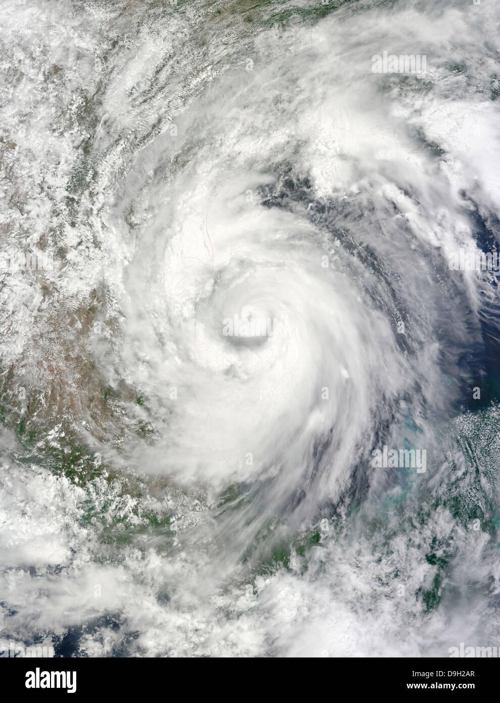 Hurrikan Alex über dem westlichen Golf von Mexiko. Stockbild