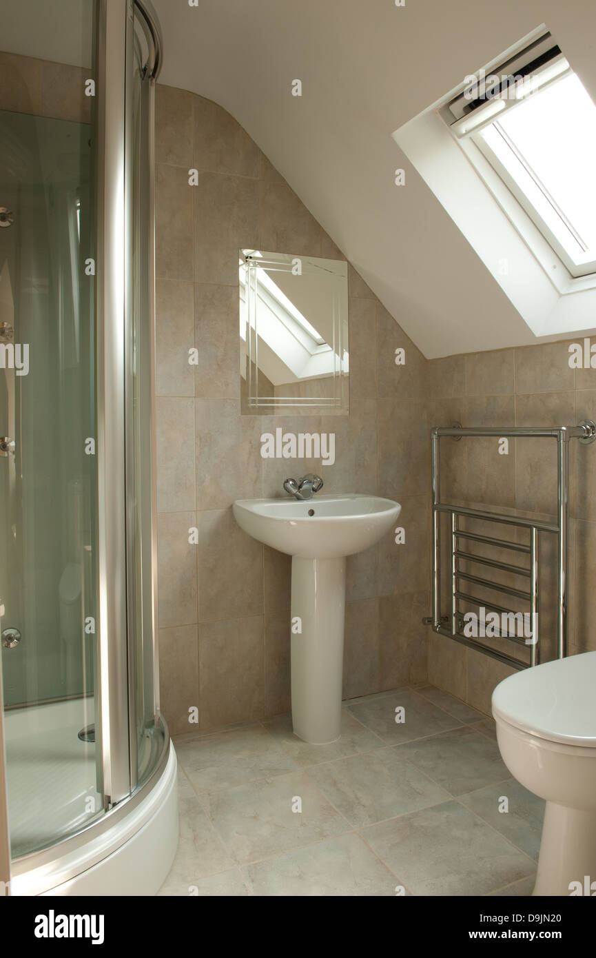 innenraum komplett geflieste dusche stockfoto, bild: 57574664 - alamy
