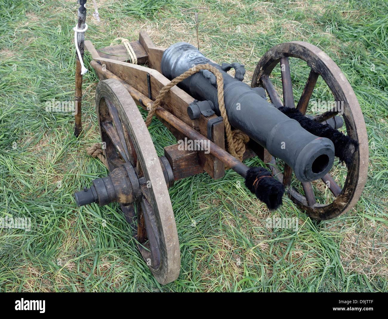 Leichte Feldartillerie Gun aus dem 17. Jahrhundert. (Gebräuchlich durch Karoliner Re-enactment). Stockbild