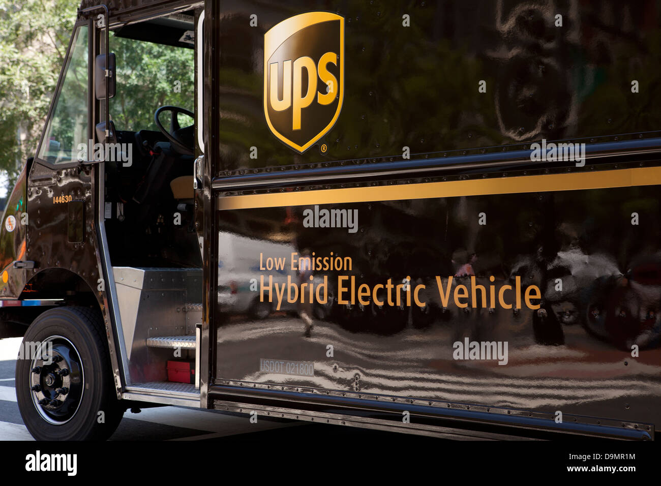 UPS-hybride elektrische Lieferwagen Stockbild