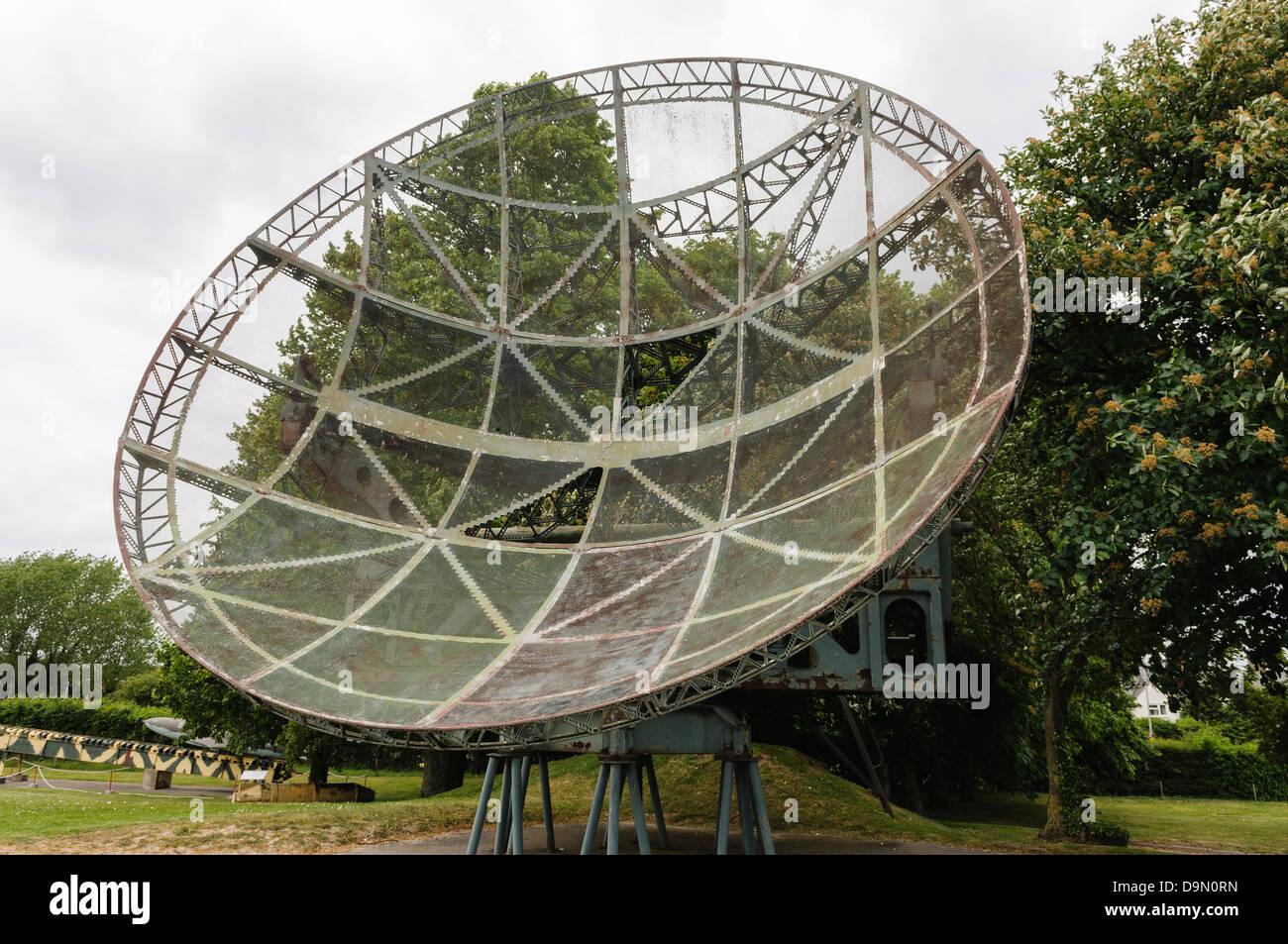 Entfernungsmessung Mit Radar : Riesige wurzberg radar boden kontrollierten abfangen von