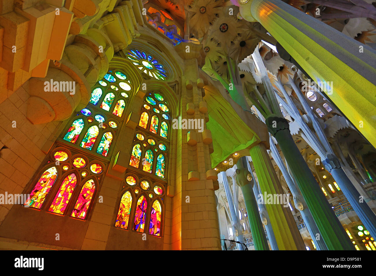 Interieur und Glasmalerei Fenster der Kathedrale Basilica De La ...
