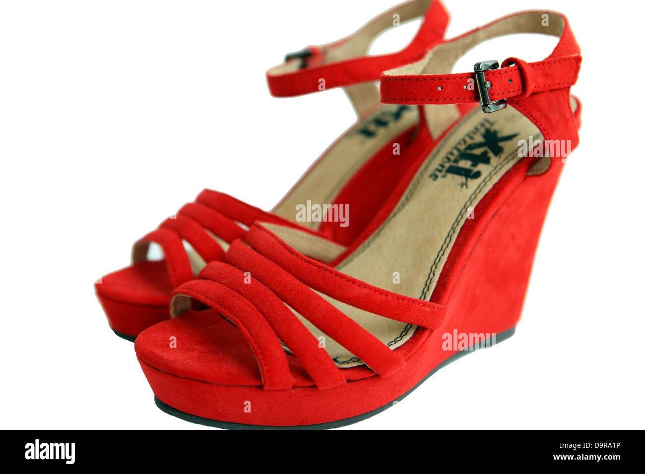 Rote Wildleder Keil Sandalen Stockbild