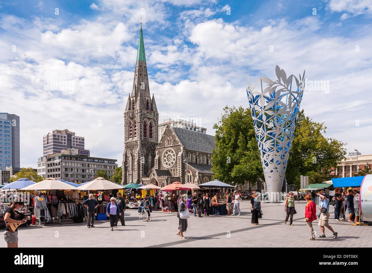 Straßenmarkt in der Cathedral Square, Christchurch, Neuseeland. Aufgenommen am 18. Februar 2011, vier Tage Stockbild