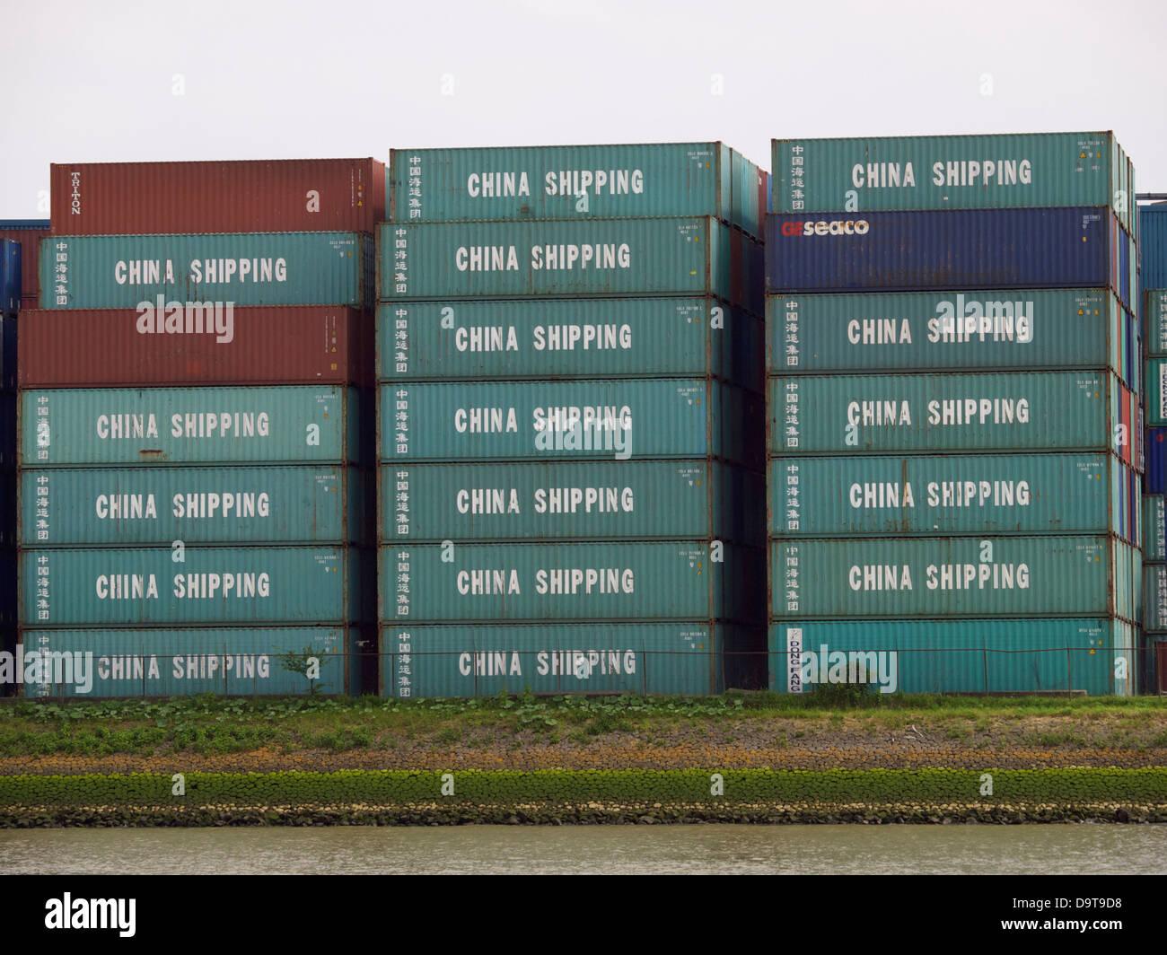 China Shipping Container im Hafen von Rotterdam, die Niederlande Stockbild