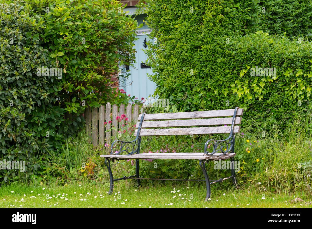Anspruchsvoll Sitzplatz Garten Foto Von Ansicht Mit Garten-sitzplatz, Tor Und Tür, Norfolk,