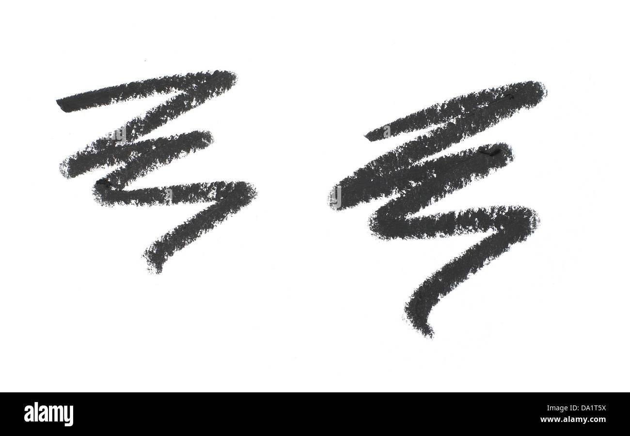 schwarzen Eyeliner Wellenlinie auf einem weißen Hintergrund ausschneiden Stockbild