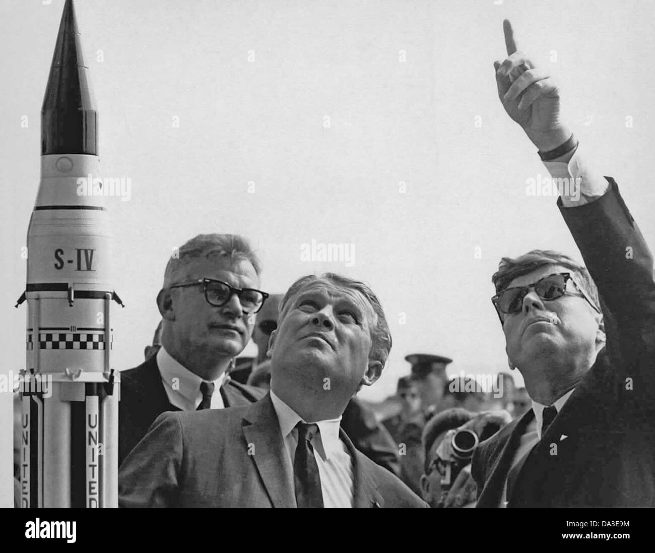 Präsident John F. Kennedy Cape Canaveral Saturn V mit Dr. Wernher von Braun, Mitte 1963 starten Stockfoto