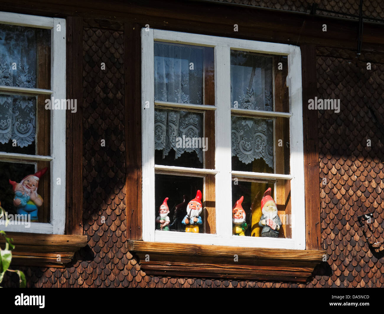 Shingle facade stockfotos shingle facade bilder alamy - Heim haus fenster ...