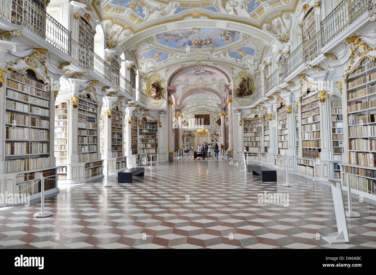 Die Admonter Abtei Bibliothekssaal ist bekannt für seine barocke Architektur und Sammlungen von Kunst und Handschriften. Stockbild