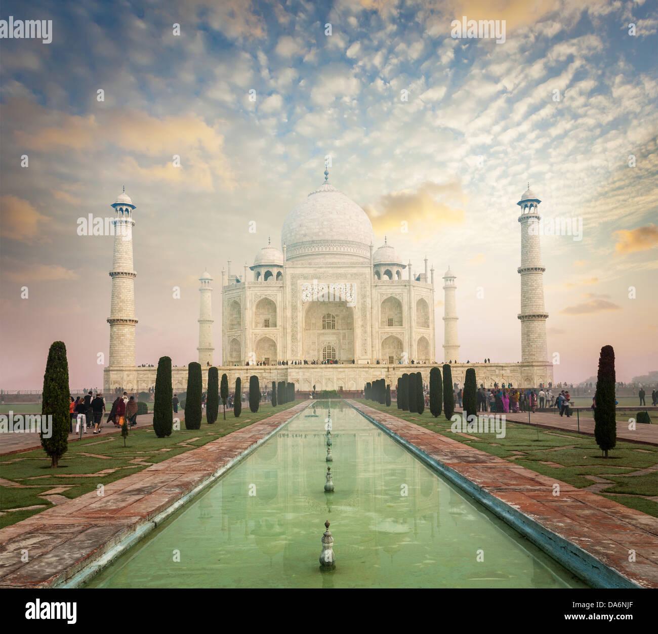 Taj Mahal auf Sonnenaufgang Sonnenuntergang, indischen Symbol - Indien Reisen Hintergrund. Agra, Uttar Pradesh, Stockbild