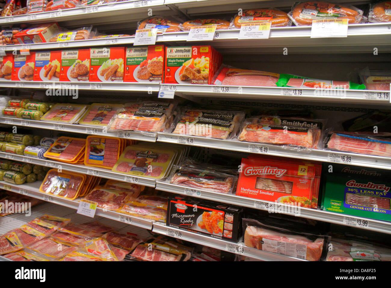 Florida Marco Island Publix Supermarkt Supermarkt Verkauf shopping Regale Speck Würstchen Stockbild