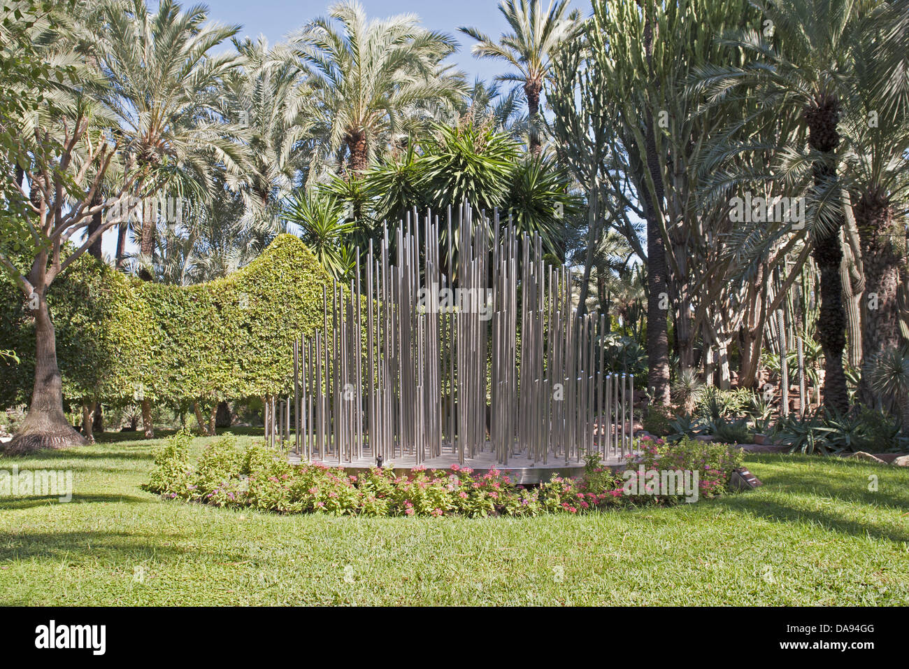Exceptional Europa, Spanien, Valencia, Elche, Carrer Porta De La Morera, Palmen, Garten,  Palmen, Stahl, Stück Kunst, Tourismus, Pflanzen, Gärten, Pa