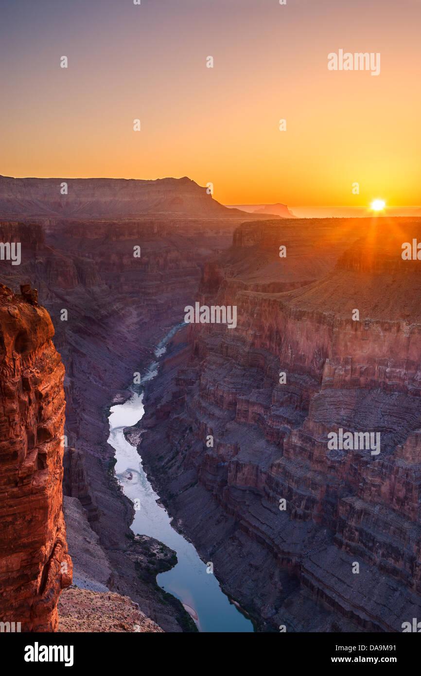 Sonnenaufgang am Grand Canyon N.P North Rim mit dem Blick von Toroweap, Arizona, USA Stockbild
