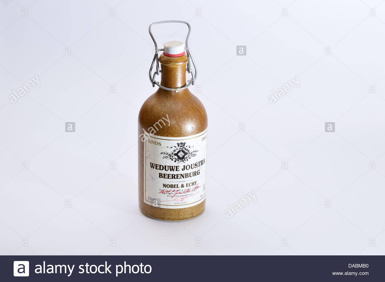 Antique Bottle Alcohol Stockfotos & Antique Bottle Alcohol Bilder ...