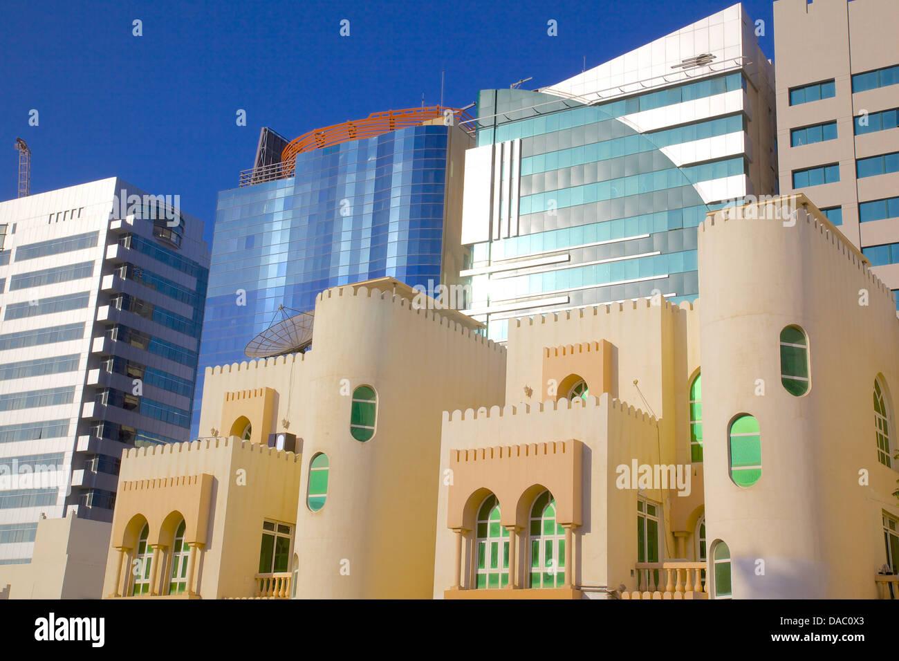 Zeitgenössische Architektur, Abu Dhabi, Vereinigte Arabische Emirate, Naher Osten Stockbild
