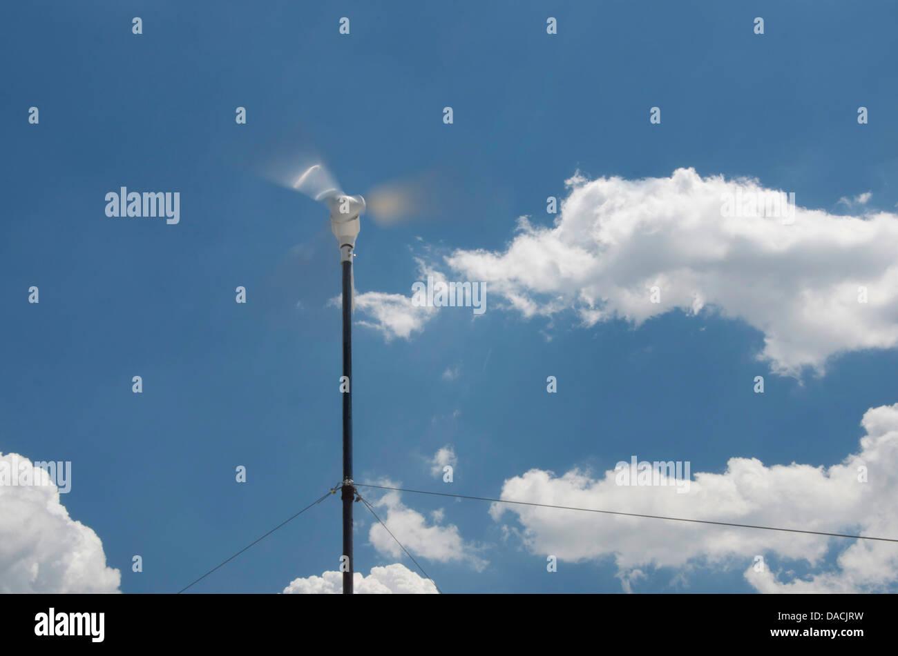 Windgenerator Stimmen im Wind Stockbild