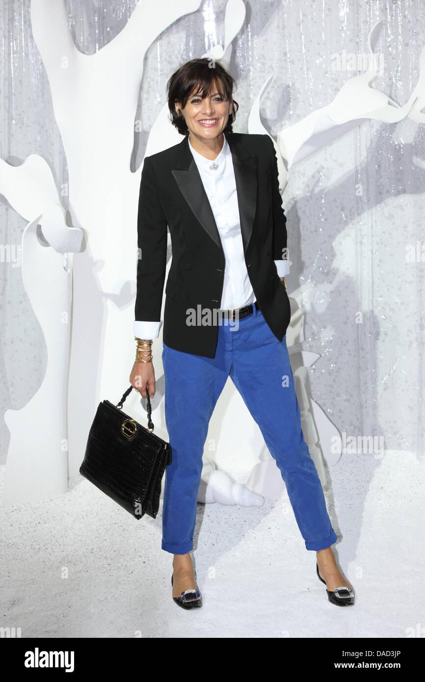 Französisches Modell Ines De La Fressange besucht die Präsentation ...