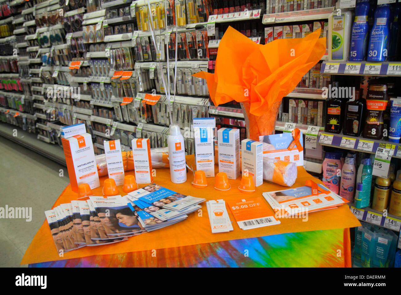 Miami Beach Florida Walgreens Apotheke Drogerie einkaufen Einzelhandel Display für Verkauf Förderung Anthelios Sonnenmilch Stockfoto