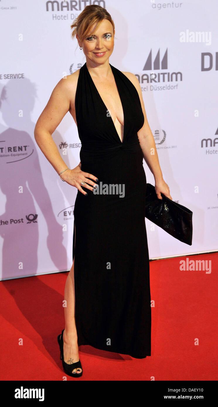 Schauspielerin Tina Ruland kommt bei der Unesco Charity Gala 2011 in Düsseldorf, 19. November 2011. Stars und Stockbild