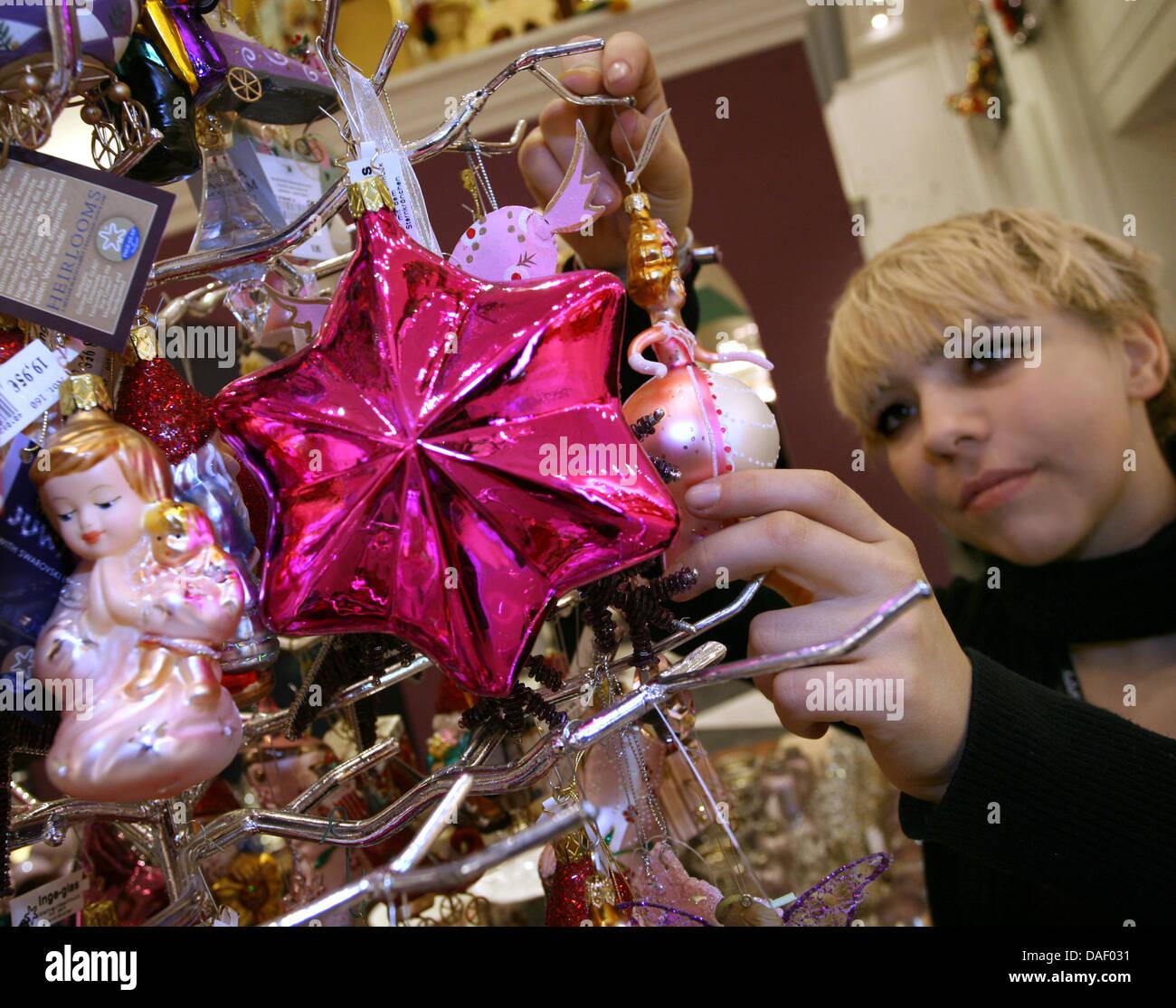 Kadewe Christmas Stockfotos & Kadewe Christmas Bilder - Alamy