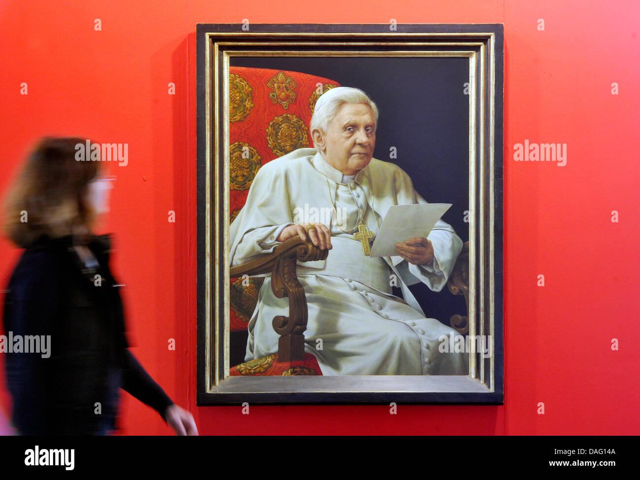 Das Kunstwerk im Auftrag der katholischen Kirche gemacht, ist ein ...