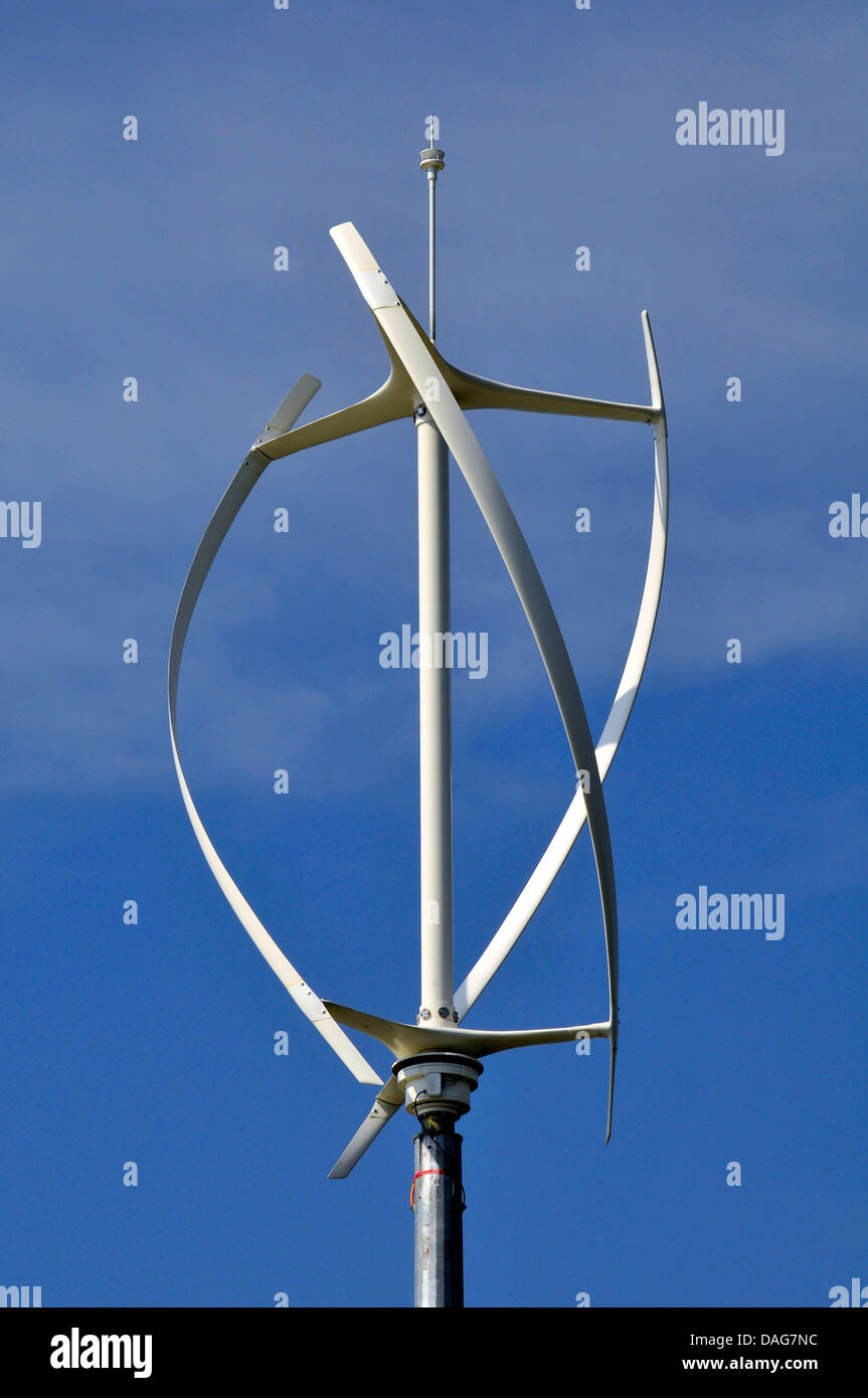 """moderner Windgenerator """"Stille Revolution"""", Vereinigtes Königreich, Wales, Pembrokeshire Stockbild"""