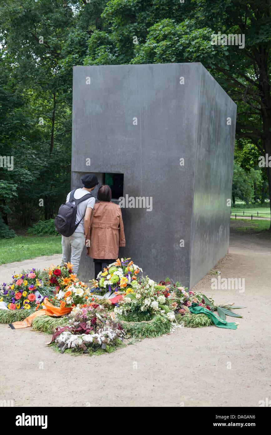 Mahnmal für die Homosexuellen verfolgt unter dem nationalen sozialistischen Regime, Berlin, Deutschland Stockbild